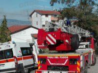 Incendio in un appartamento a Tito. Quattro anziani salvati dai Vigili del Fuoco