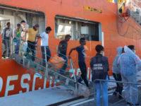 Migranti. Domani un nuovo sbarco al porto di Salerno. A bordo 1400 profughi