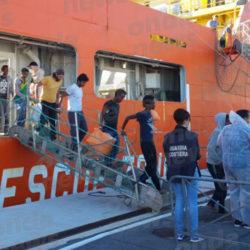 Ventesimo sbarco di migranti a Salerno. Domani attracca al Porto una nave con oltre 1000 persone