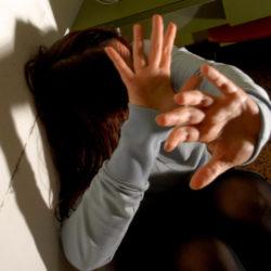 Violenza sulle donne. La Regione Campania stanzia 600mila euro per l'autonomia abitativa delle vittime