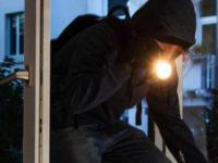 Teggiano: ladri entrano in un'abitazione, non trovano oggetti da rubare e appiccano un incendio