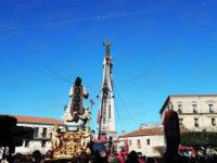 Teggiano: emozione e partecipazione per il classico omaggio alla statua di San Cono