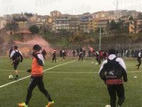 Calcio. Salernitana in ritiro. L'allenamento dei granata nello stadio di Caggiano