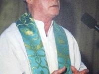 Caggiano: è morto don Mimì Di Stasio, il prete della carità