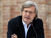 Agropoli: a Vittorio Sgarbi il Premio in ricordo dell'ex sindaco Paolo Serra