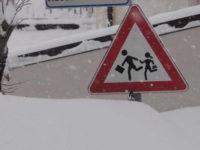 Scuole chiuse per neve e diritto allo studio. Due insegnanti scrivono a Carlo Maucioni