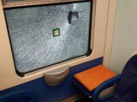 Rapinatore armato di siringa sul treno Napoli-Sapri ferisce una 20enne di Eboli. Arrestato