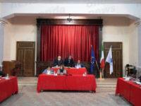 Teggiano: il Consiglio approva il bilancio di previsione tra polemiche e tensioni