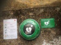 Sassano cardioprotetta. Associazioni e medici regalano un defibrillatore alla piazza