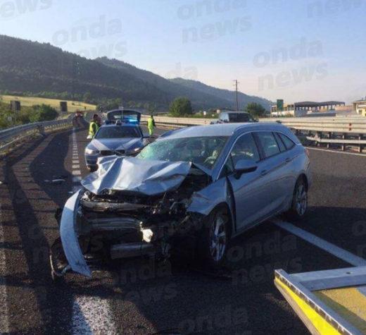 Scontro tra auto e camion in A3 tra Atena Lucana e Polla. Tre persone ferite