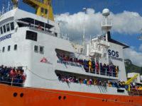 Sbarco di migranti domani a Salerno. Alcuni tra i cadaveri a bordo saranno seppelliti nel Vallo di Diano