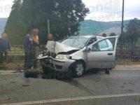 Incidente sulla SS19 tra Padula e Montesano. Auto finisce contro cartello stradale