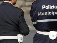 Scoperto dalla Polizia Municipale con la droga negli slip. Denunciato 20enne di Oliveto Citra