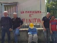 """Sciopero centrale idrica Caggiano-Polla. Gli operai: """"Continuiamo a non gestire l'impianto"""""""
