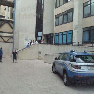 Tragedia al San Carlo di Potenza. Paziente di 33 anni muore precipitando nella tromba delle scale