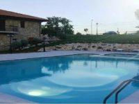 L'agriturismo Erbanito di San Rufo inaugura la piscina all'aperto