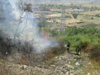 Brucia località Serrone ad Atena Lucana. Intervengono i Vigili del Fuoco
