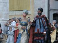 """Teggiano: prende il via con successo la manifestazione """"Alla Tavola della Principessa Costanza"""""""