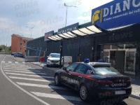 Atena Lucana: furto nello store Piazza Italia al Centro Diano. Rubati capi di abbigliamento