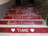 """Un paese unito sotto il segno dell'amore. Inaugurati """"I gradini dell'amore"""" a Vietri di Potenza"""