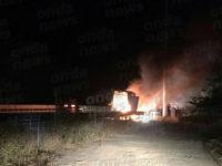 Furgone in fiamme sull'A2 tra gli svincoli di Polla e Petina. Intervengono i Vigili del Fuoco