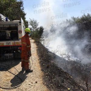 Padula: incendio in località Ponte Giuliano. Bruciano pneumatici gettati sull'argine del Tanagro