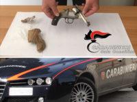 Nasconde una pistola nel sottotetto di casa. Arrestato 44enne di Sassano