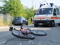 Cade dalla bici mentre è in vacanza nel Cilento. Bambina di 9 anni in gravi condizioni