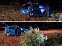 Padula: auto va fuori strada e finisce in un terreno. Feriti 4 ragazzi