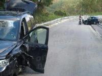 Scontro tra due auto sulla Fondo Valle Sele a Contursi Terme. Feriti i conducenti