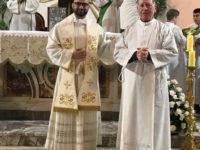 La comunità di fedeli di Sant'Arsenio accoglie il nuovo parroco don Angelo Fiasco