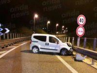 Incidente sull'A2 a Contursi. Furgone sbanda e finisce fuori strada, ferita una donna napoletana
