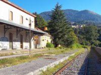 """De Luca visita l'ospedale di Polla. Comitato pro Ferrovia:""""Non ha mai recepito le nostre istanze"""""""