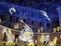 """Si accendono le """"Luci d'Artista"""" a Salerno. Il governatore De Luca:""""Anche quest'anno ci siamo riusciti"""""""