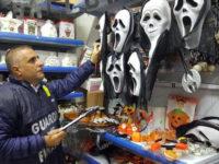 Oltre 3000 prodotti di Halloween non sicuri in 3 negozi a Lagonegro e Tito. Maxi sequestro della Finanza