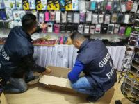 Oltre 1000 prodotti non sicuri e occhiali contraffatti in un negozio di Ascea. Denunciato il titolare