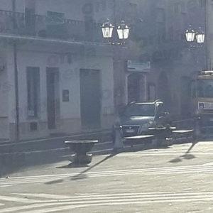 San Pietro al Tanagro: camion per la raccolta rifiuti senza assicurazione. Scatta il sequestro