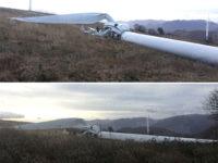 Pala eolica di oltre 45 metri crolla al suolo a Savoia di Lucania