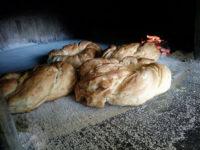 Sassano: al Panificio Due Emme il tortano con i cicoli per celebrare la gastronomia campana