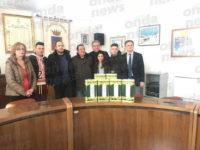 Sala Consilina: gli studenti dell'Istituto Agrario donano l'olio prodotto alla mensa scolastica