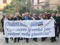 Commozione e partecipazione alla marcia in ricordo di Angelo Vassallo ad Acciaroli