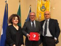 La Banca Monte Pruno dona defibrillatori per due palestre del Comune di Potenza