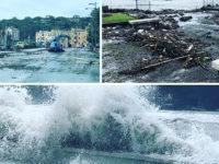 Forte mareggiata a Sapri. L'acqua e i detriti invadono la Strada Statale 18 sul Lungomare Italia