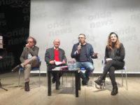 """Teatro in Sala. Gli studenti del """"Cicerone"""" discutono di criminalità con il cantautore Nando Misuraca"""