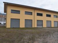 Affittasi fabbricato commerciale su tre livelli con ampio parcheggio ad Atena Lucana