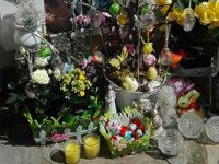 """Rubati ovetti di Pasqua sulla tomba di Dorotea Di Sia a Santa Marina. La madre:""""Si sono beffati di me"""""""