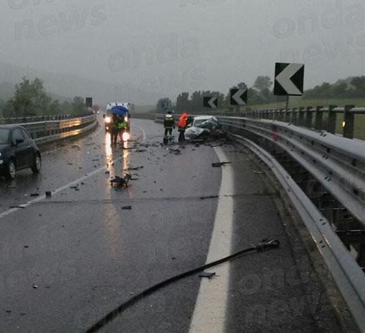Tragico scontro tra un'auto e un'autocisterna a Potenza. Morto un 45enne di Tito
