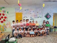 """Sala Consilina: una lavagna interattiva ai bambini del """"Sant'Antonio"""" per il concorso """"Via dalla Strada"""""""