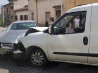 Sala Consilina: scontro tra due auto in località Taverne. Ferite due persone