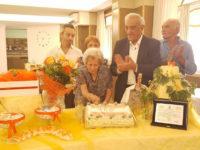 La comunità di Polla festeggia i 100 anni di nonna Marianna Padovano